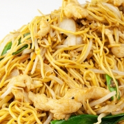 128. Sliced Beef or Chicken with Mixed Vegetable on Chow Mein