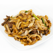 108. Stir Fried Flat Rice Noodle with Sliced Beef in Soy Sauce