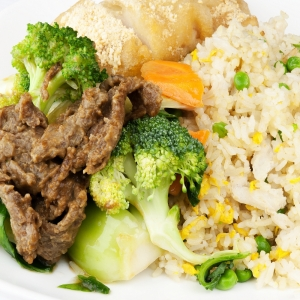 99. Sliced Beef or Chicken with Mixed Vegetable on Rice