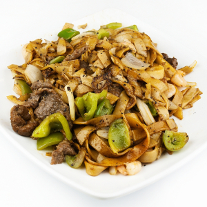 Pan-Fried Rice Noodles with Beef and Vegetables