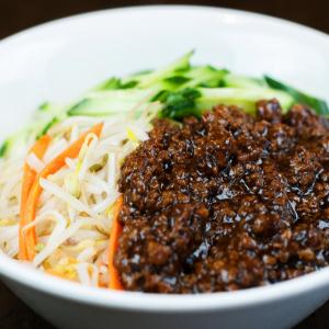 096.炸醬面  Noodle with Meat Sauce and Cucumber