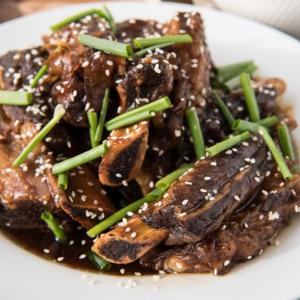 16. Stir-Fried Ribs in Black Bean Sauce