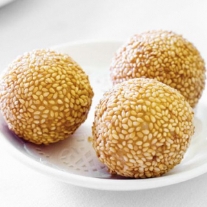 A2. Deep Fried Sesame Ball (6 pcs)