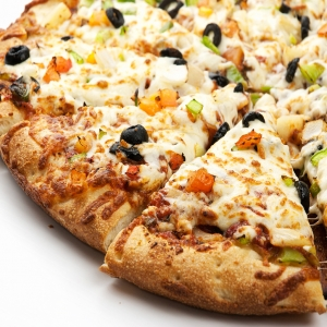 18. Chipotle Pizza Veg/Chicken