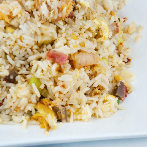 122. Szechuan Style Fried Rice with Shrimps & Scallops