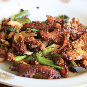 Beef with Spicy Garlic Sauce
