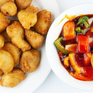 38. Sweet-and-Sour Chicken Balls (12 pcs)