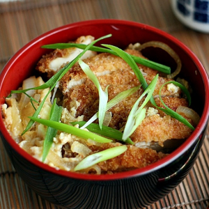 Spicy Deep Fried Chicken & Prawn Rice Bowl