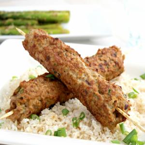 E5. Koobideh Kebab (Comes with 1 Free Pop)