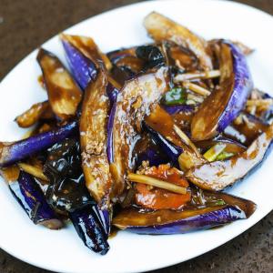 E8. Bean Sauce Eggplant
