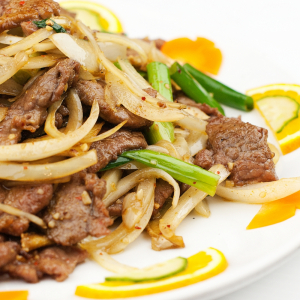 Sliced Beef With Ginger & Spring Onion