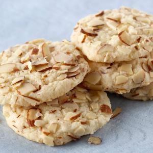 99. Almond Cookies (10 pcs)