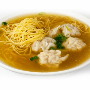46. Wonton in Yellow / Egg Noodle Soup (6 pcs)