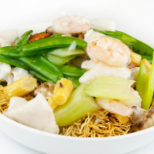 M15 Mixed Seafood Chow Mein ( prawns, fish, squid & scallops)