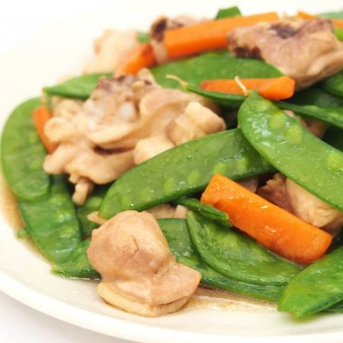 Chicken with Snow Peas 雪豆雞球
