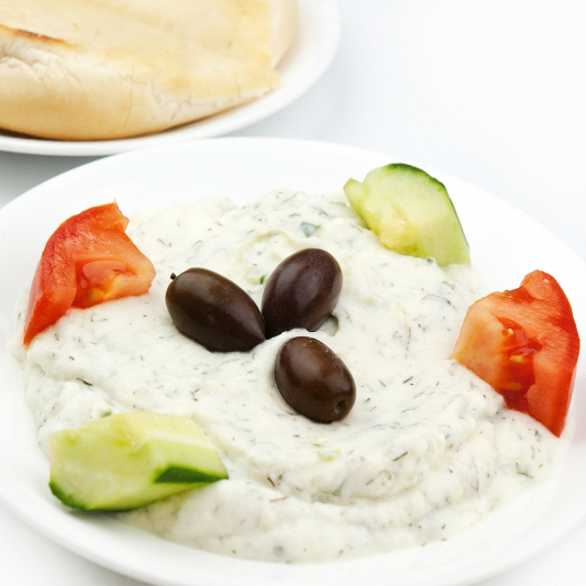 Tzatziki Dip with 2 Pita Breads