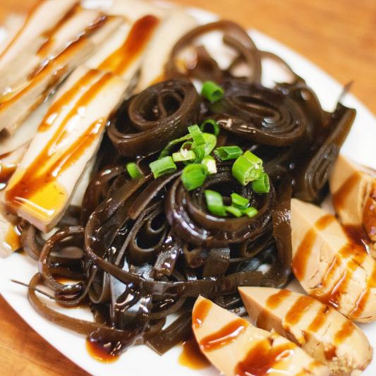 Tofu Salad with Seaweed