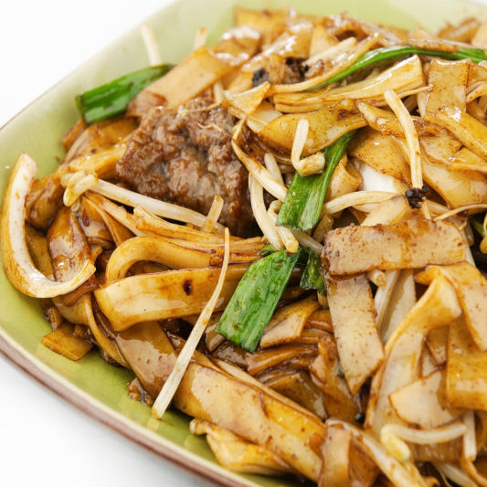 80. Pan Fried Rice Noodle with Beef & Vegetable