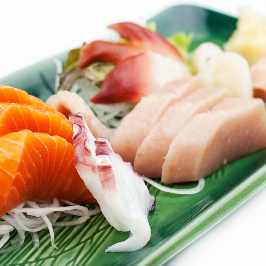 44. Assorted Sashimi (10 pcs)