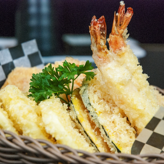 T10. Assorted Tempura Appetizer (8 pcs)
