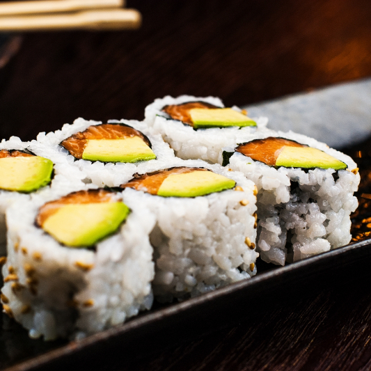 Smoked Salmon & Avocado Roll