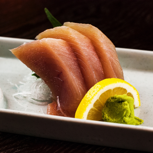 37. Tuna Sashimi (5 pcs)