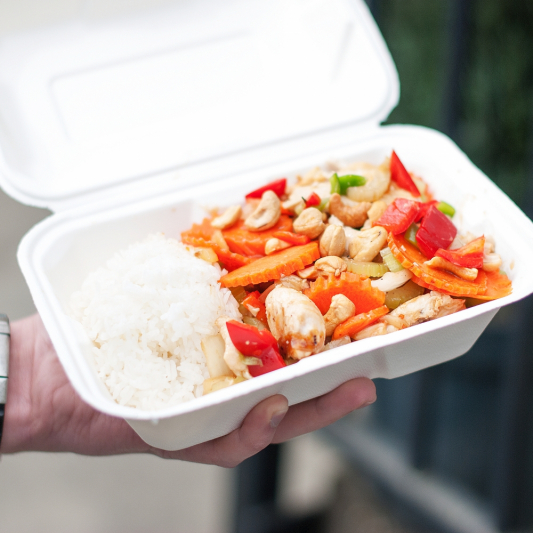 Chicken with Cashew Nut on Steamed Rice