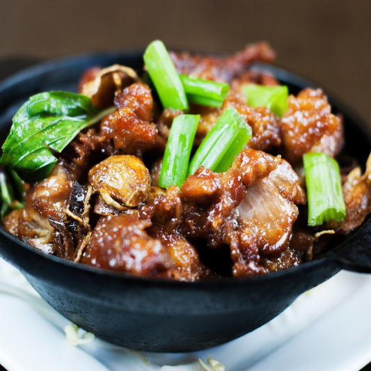 31. Stir-Fried Chicken in Black Pepper Sauce