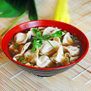 H12. Lamb Dumplings in Sour Soup (12 pcs) 酸汤水饺 (12个)