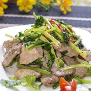 A14. Special Fried Lamb with Coriander 海拉尔炒羊肉 (香菜)