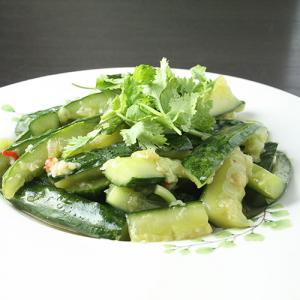 J16. Garlic Cucumber 拍黄瓜