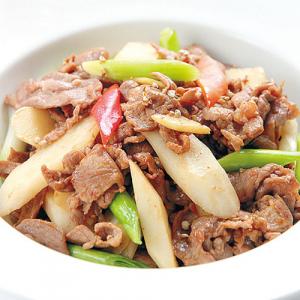 A09. Sauteed Lamb with Yam 羊肉烧山药