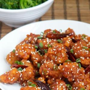 D15. Deep-Fried Spicy Chicken with Bone 麻辣香酥鸡块