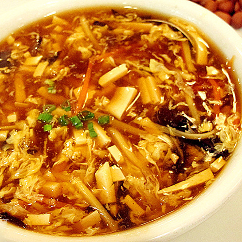 K13. Hot & Sour with Chicken or Shrimp 酸辣鸡丁/鲜虾汤