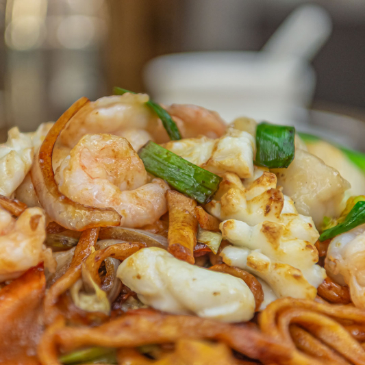F5. Seafood Chow Mein