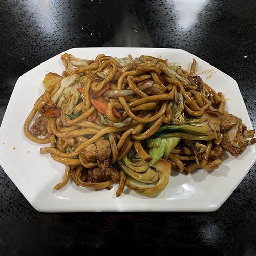 F8. Chicken Chow Mein