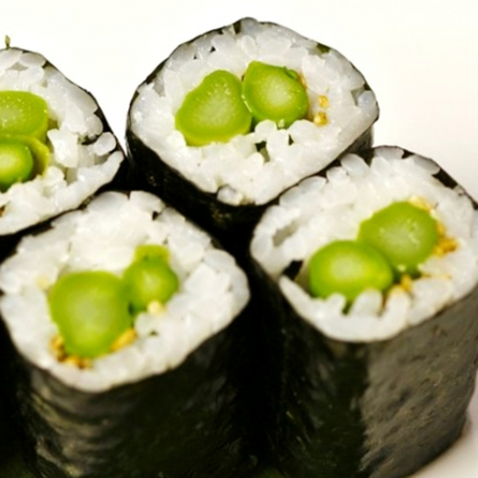 Asparagus Roll (8 pcs)