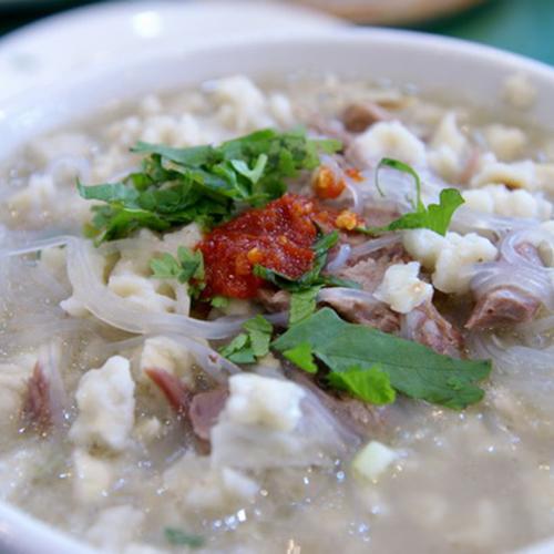 K06. Xi'An Style Lamb Soup 西安羊肉泡馍