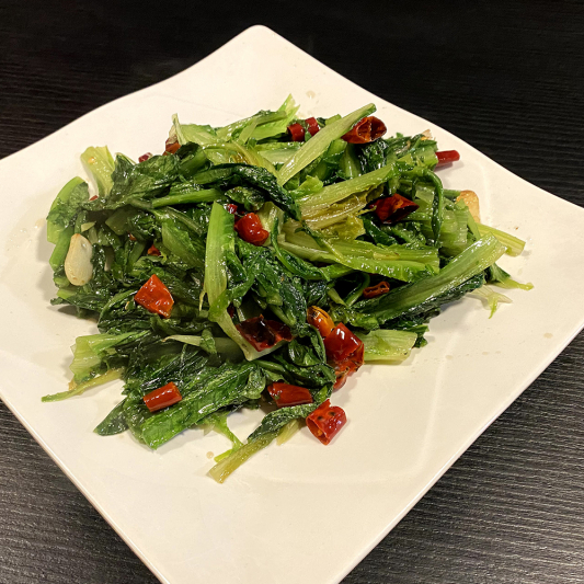 V6. Leaf Lettuce Szechuan Style or with Garlic