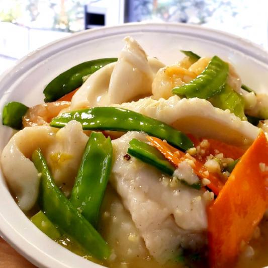 S5. Sauteed Seafood with Snow Peas