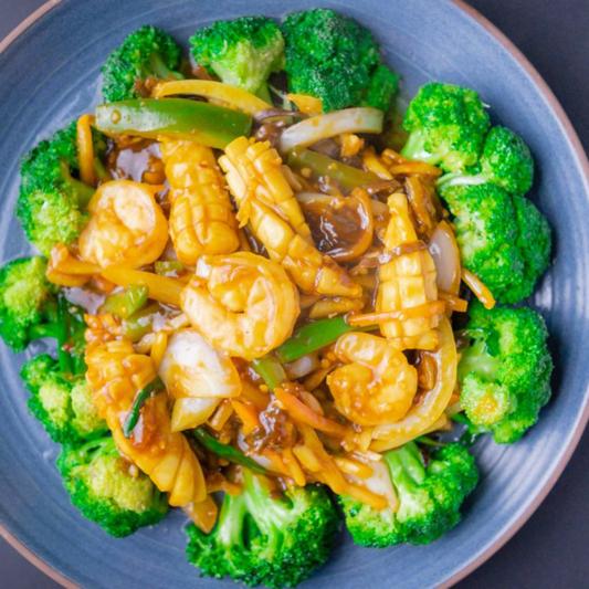 70. Prawns & Squid with Chilli & Garlic Sauce