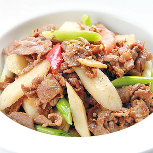 A09. Sauteed Lamb with Yam 羊肉烧山药