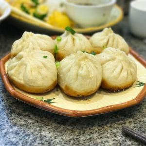 352. Pan Fried Bun Filled with Pork (6 Pcs) 生煎包