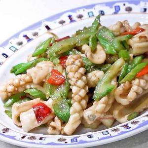 306. Sautéed Shredded Squid & Celery 石庫門小炒