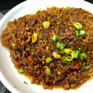 305. Sauteed Vermicelli with Spicy Minced Pork 螞蟻上樹