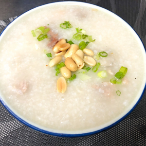702. Congee w/ Preserved Meat and Century Egg 皮蛋瘦肉粥
