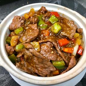 231. Assorted Satay Beef w/ Vermicelli in Casserole 沙嗲牛肉粉絲煲