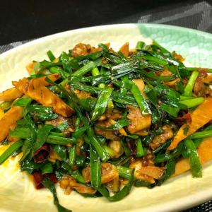 604. Sautéed Clam w/ Sauerkraut 酸菜炒蜆肉