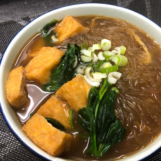 67. Fried Tofu and Vermicelli Soup 油豆腐粉絲湯