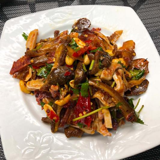 44. Couples Sliced Beef in Chili Sauce 夫妻肺片